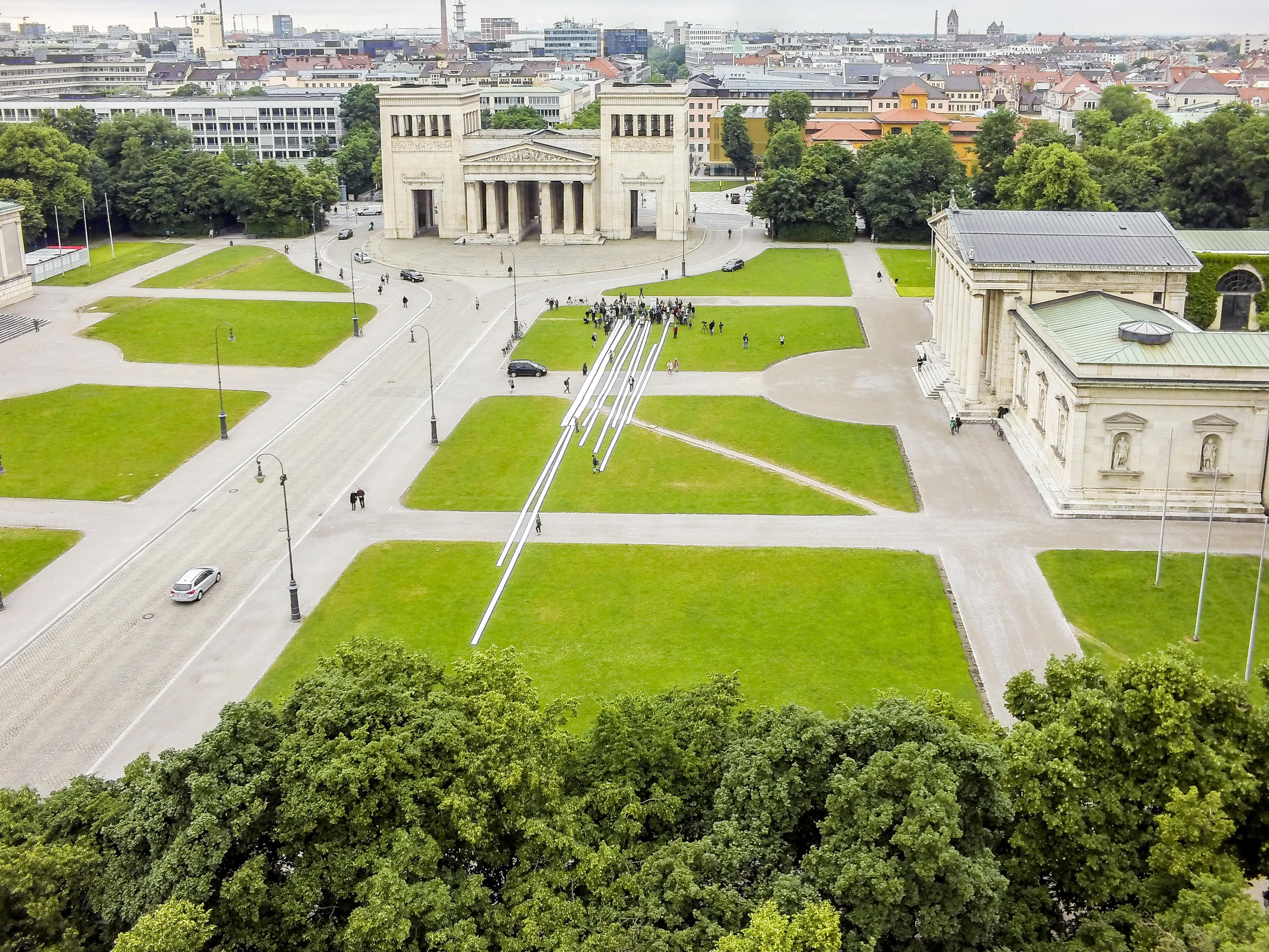 80.000 Unterschriften für Stolpersteine in München