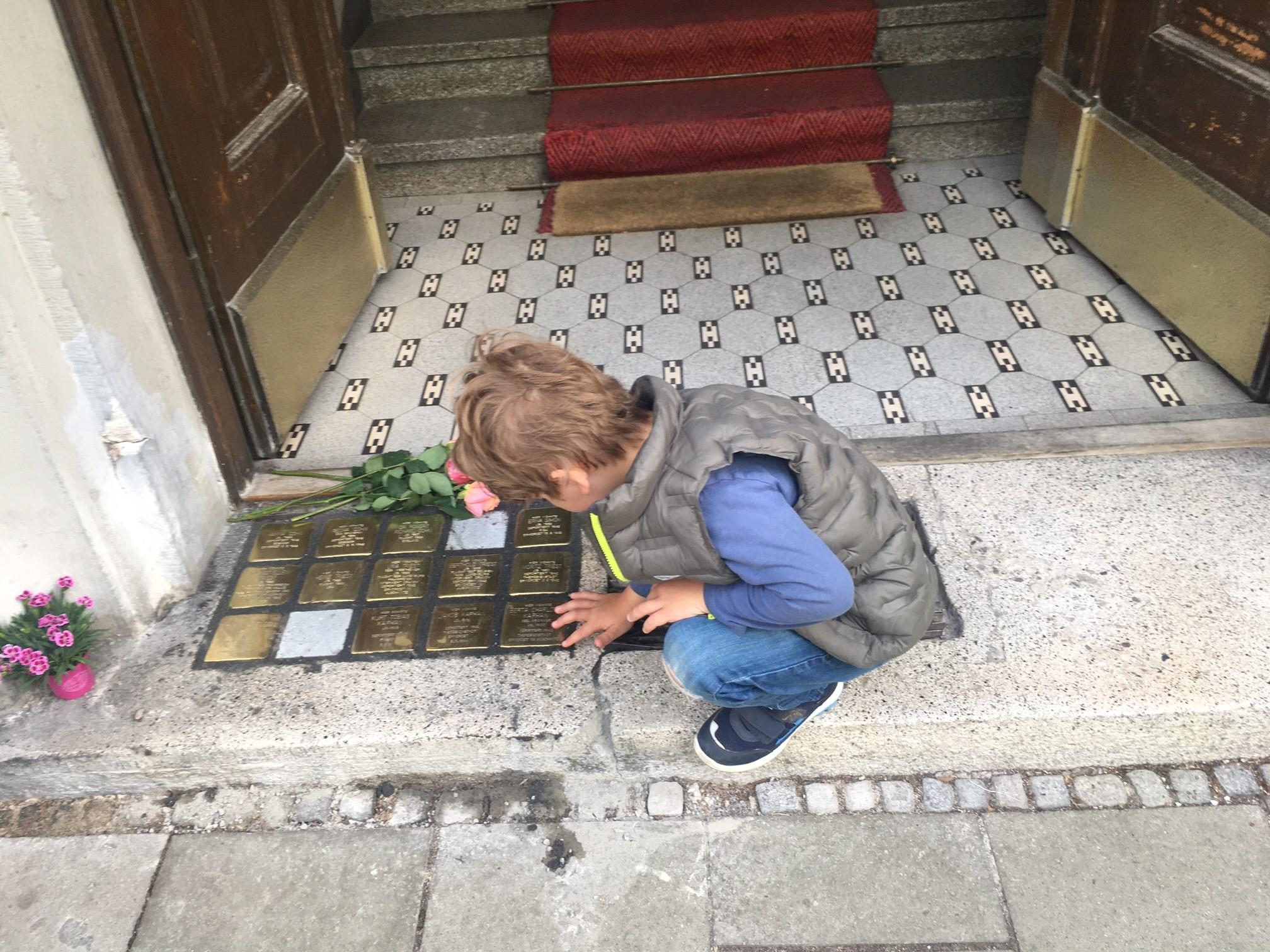 child-with-stolpersteine